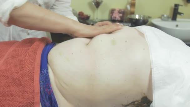 Hướng dẫn cách giảm cân chỉ với 1 vài động tác massage.