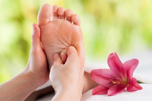 Sử dụng ghế massage chân để cải thiện bệnh mất ngủ