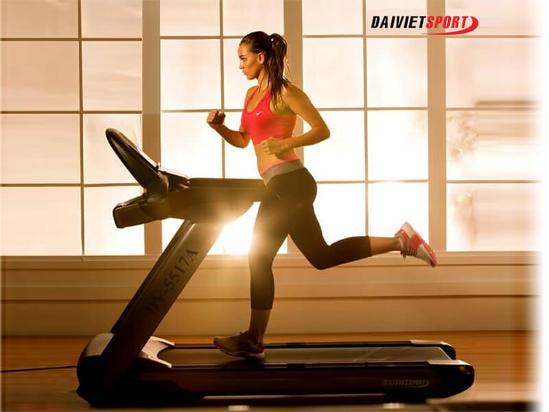 Khởi động cơ thể trước khi chạy bộ