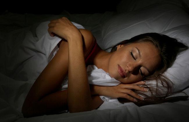 Bài tập với máychạy bộđiệngiúp ngủ tốt hơn.