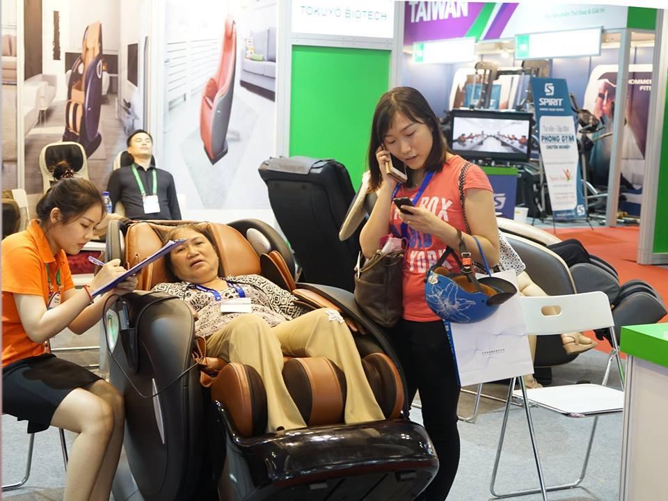 Những điều cần lưu ý khi mua ghế massage cho người già
