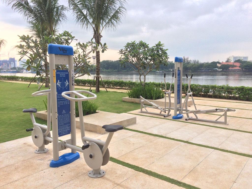 Bạn biết mua máy tập thể dục công viên của hãng nào tốt?3