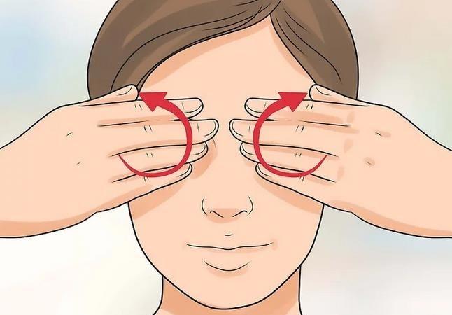 Massage và bấm huyệt phòng tránh lão hóa mắt